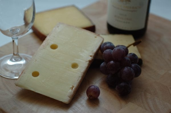 Pairing French red wine with cheese